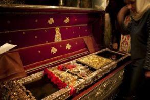 Πώς ο Άγιος Σπυρίδωνας χαλάει τα υποδήματά του – Οι φοβερές παραδόσεις για τον Άγιο της Κέρκυρας