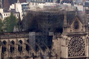 Πάνω από 750 εκατομμύρια ευρώ οι δωρεές για την αποκατάσταση της Παναγίας των Παρισίων