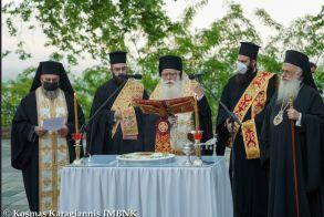 Λατρευτικές εκδηλώσεις για τους Αγίους Δισχιλίους Ναουσαίους Νεομάρτυρες (Εικόνες)