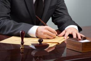 Θα πάρουν τελικά τα 800 ευρώ οι δικηγόροι;