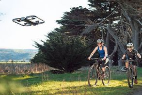 [Video] Skydio R1: Το εξυπνότερο drone με τεχνολογία τεχνητής νοημοσύνης σε ακολουθεί παντού, αλλα...