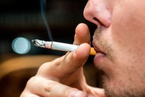Όσοι προτιμούν το στριφτό τσιγάρο, είναι πιο δύσκολο να κόψουν το κάπνισμα