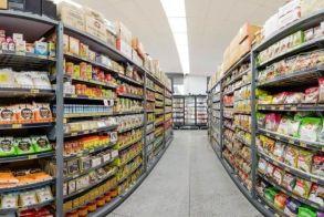 Χωρίς προϊόντα λιανεμπορίου τα σούπερ μάρκετ, όσο διαρκεί το «κόκκινο»