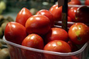 Κατασχέθηκαν 1.580 κιλά ακατάλληλης ντομάτας