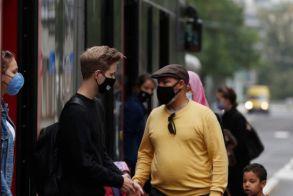 Αυξάνεται το πρόστιμο στα 500 ευρώ για άσκοπες μετακινήσεις και μάσκες!