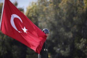 Δεκάδες νέες συλλήψεις στρατιωτικών στην Τουρκία