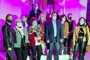 Στα ροζ χθες το Δημαρχείο Βέροιας για την πρόληψη   του καρκίνου του μαστού