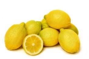 14 λόγοι για να πιείτε ένα στυμμένο λεμόνι το πρωί!