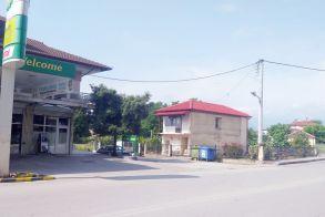 Επικίνδυνο σημείο χωρίς STOP  στο κέντρο του Μακροχωρίου