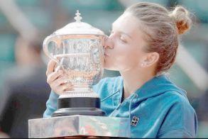 Βλάχα με ρίζες από το Σοχό Θεσσαλονίκης, η τενίστρια που κατέκτησε το φετινό Roland Garros