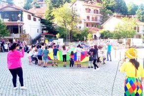 Παιδικό πάρτι χθες στην πλατεία του Σελίου