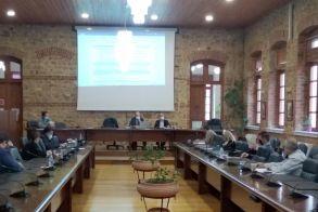 Σύσκεψη χθες στο Δημαρχείο Βέροιας για την πανδημία Εκτελεστικό σχέδιο με στοχευμένους ελέγχους σε εστίες υψηλής επικινδυνότητας για τον περιορισμό των κρουσμάτων σε τοπικό επίπεδο