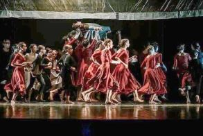 Ο Ιππότης με τη Σκουριασμένη Πανοπλία - Μια κριτική της παράστασης από τον R. K. W. Karlsonn