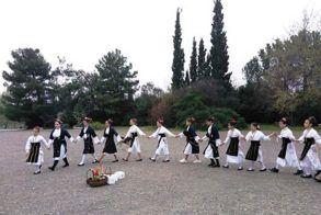 Οι Λαζαρίνες της Βεργίνας γιορτάζουν τον ερχομό της Άνοιξης και της Ανάστασης! - Το έθιμο των Λαζαρίνων
