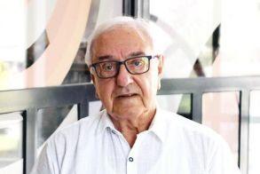 Γιάννης Αβραμίδης: 83 χρόνια με «το κεφάλι ψηλά και τον λαιμό αλύγιστο»