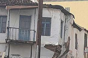 Η αδιαφορία, ο χρόνος και τελικά η μπουλντόζα θα ρίξουν και τα τελευταία παλαιά κτίρια