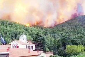 Στο έλεος της φωτιάς και η μονή Οσίου Δαβίδ στην Εύβοια - Έκκληση για προσευχή, από τον γέροντα Γαβριήλ