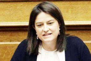 Το υπουργείο Παιδείας στηρίζει τους εκπαιδευτικούς που «περιφρουρούν» τα μέτρα και αναλαμβάνει τα έξοδα για δικαστικές «περιπέτειες»