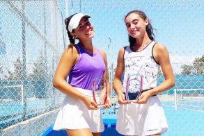 Η Λένη Λαζαρίδου σήκωσε τα διπλά και έφτασε ημιτελικό στα μονά σε τουρνουά της ITF