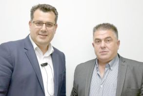 O Θωμάς Χατζόπουλος   με τον Κώστα Ναλμπάντη