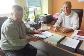 Ξεκινούν εργασίες συντήρησης κοινόχρηστων χώρων στις Δ.Ε. Βεργίνας και Μακεδονίδας --Υπογράφτηκαν οι σχετικές συμβάσεις από τον Αντιδήμαρχο Τεχνικών Βέροιας
