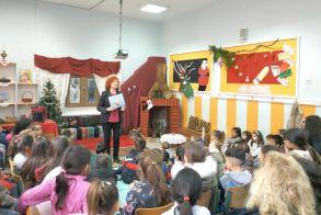 ΣΤΟ ΔΗΜΟΤΙΚΟ ΣΧΟΛΕΙΟ ΚΟΥΛΟΥΡΑΣ Στο μαγευτικό κόσμο των παραμυθιών  ταξίδεψε τους μαθητές η Ελισάβετ Τάρη