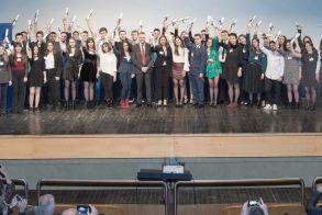 «Η Μεγάλη Στιγμή για την Παιδεία»  17 χρόνια η Eurobank στο πλευρό των αριστούχων μαθητών  Τελετή βράβευσης στη Βέροια