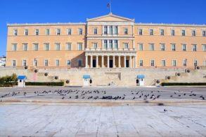 Για δημοσιονομικό εκτροχιασμό από τις δικαστικές αποφάσεις επιστροφής αναδρομικών, προειδοποιεί Γραφείο Προϋπολογισμού του Κράτους