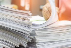 «Τέλος εποχής» για το χαρτί στο Δημόσιο - Μόνο ηλεκτρονικά οι συναλλαγές