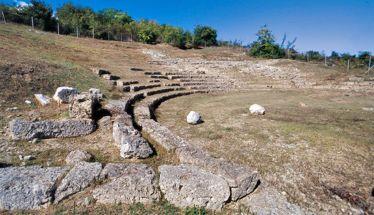 Ποιητική βραδιά  στο Αρχαίο Θέατρο Μίεζας - Την Κυριακή 16 Ιουνίου