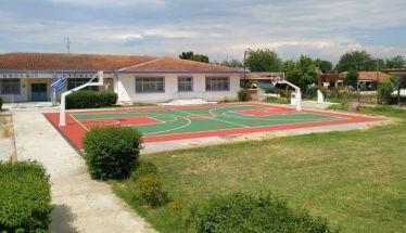Το είπε και το το έκανε ο Δημήτρης Ιτούδης το γήπεδο μπάσκετ στα Τρίκαλα