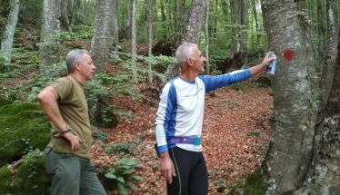 Διάνοιξη και σήμανση  μονοπατιών στον ορεινό όγκο του Βερμίου από τον Δήμο Νάουσας και αθλητικά σωματεία (εικόνες)