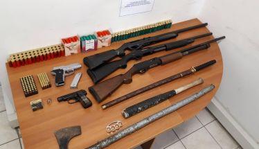 Πατέρας και γιος συνελήφθησαν στην Αλεξάνδρεια για παράνομη κατοχή όπλων και μεγάλου χρηματικού ποσού