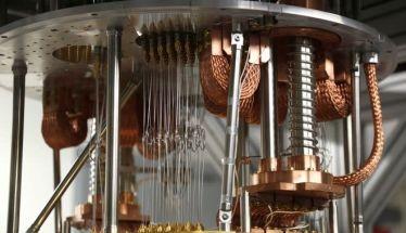 Κβαντικός υπολογιστής έλυσε πρόβλημα σε τρία λεπτά και 20 δευτερόλεπτα ενώ θα χρειαζόταν 10.000 χρόνια στον καλύτερο υπερ-υπολογιστή!