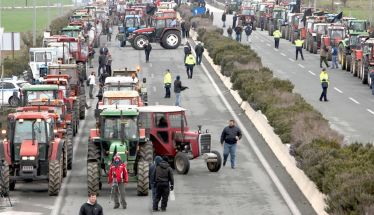 Στο τέλος του μήνα βγαίνουν στους δρόμους… Πανελλαδική Επιτροπή των Μπλόκων: «Την Δευτέρα  28 Ιανουαρίου, τα ρυάκια γίνονται ποτάμι… Καλούς αγώνες!»