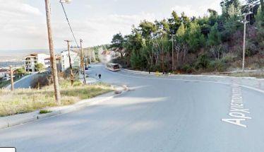 Λίγη περισσότερη καθαριότητα στην οδό Αρχιεπισκόπου Μακαρίου μπροστά από το Άλσος