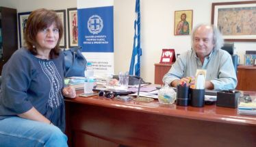 Τον Περιφερειακό Δ/ντή Εκπαίδευσης   επισκέφθηκε η Φρ. Καρασαρλίδου   για τα προβλήματα των σχολείων της Ημαθίας