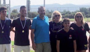 Με επιτυχία έγινε στα ανακαινισμένα γήπεδα του ΔΑΚ «Δ. Βικέλας» το Πανελλαδικό Πρωτάθλημα Τένις για Αγόρια και Κορίτσια κάτω των 18 ετών