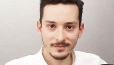 Στέργιος Καλπάκης: «Δεν μπορεί  να είμαστε 29 ετών  και να μας αντιμετωπίζουν  σαν παιδιά που δεν μπορούν  να αναλάβουν ευθύνες»