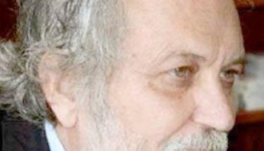 Ο αδελφός του  Μιχάλη –Κωνσταντίνος Μανιαδάκης Υφυπουργός Δημοσίας Ασφαλείας επί διδακτορίας Ι.Μεταξά