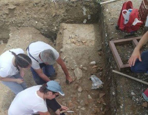 Συνεχίζεται για δεύτερη χρονιά το θερινό αρχαιολογικό σχολείο - Στόχος η μύηση των μαθητών-τριών στο έργο της αρχαιολογικής έρευνας