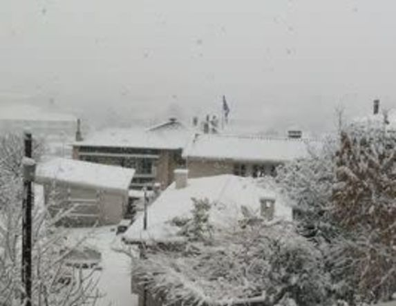 Πρώτη λευκή μέρα στην Ημαθία, σε ετοιμότητα ο μηχανισμός για την αντιμετώπιση του χιονιά - Βίντεο