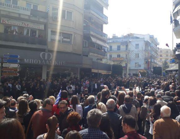 Πλήθος κόσμου στη Βέροια για την παρέλαση της 25ης Μαρτίου