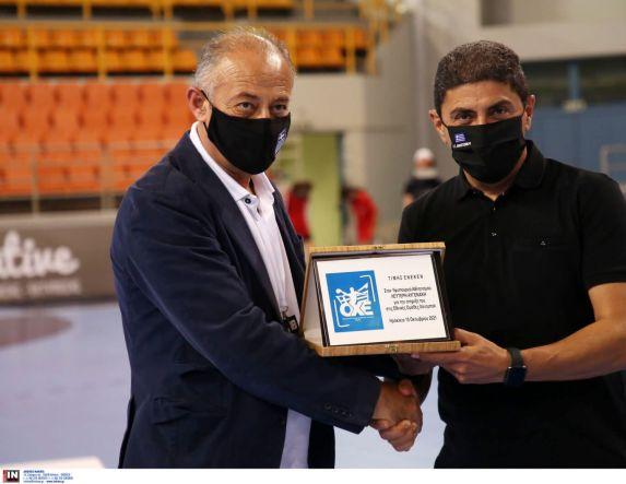 Χαντ μπολ Οι βραβεύσεις στο ιστορικό παιχνίδι της Εθνικής ομάδας γυναικών στο Ηράκλειο