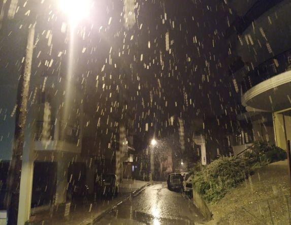 Ένα χιόνι σαν πρωταπριλιάτικο ψέμα!