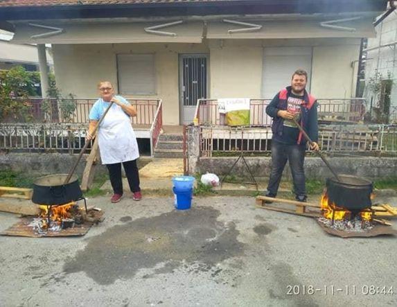 Ετοιμάζονται στο Μακροχώρι για τη γουρουνοχαρά