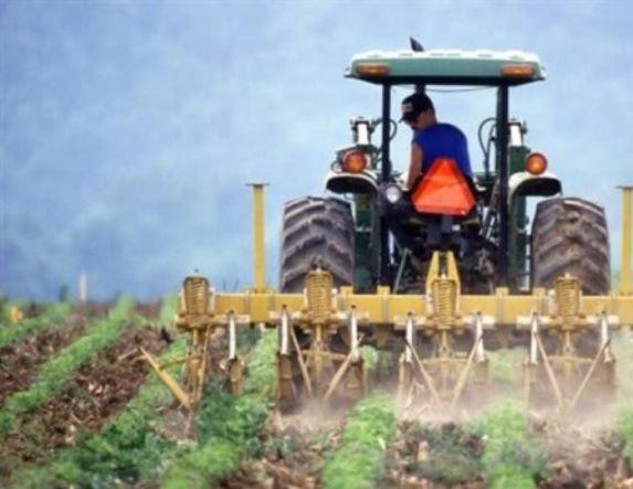 «Βάλτε πλάτη»  και στα αγροτικά δάνεια