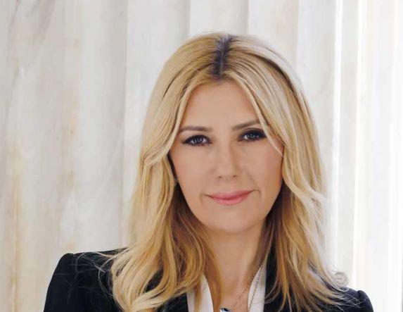 Φ. Αραμπατζή: «Στόχος μας, η Ελληνίδα Αγρότισσα από αφανής ήρωας να γίνει πρωταγωνίστρια στην αγροτική επιχειρηματικότητα. Με ενισχυμένη χρηματοδότηση από το νέο ΠΑΑ, πρόσβαση σε επενδύσεις-πιστώσεις, άρση των αδικιών και των ανισοτήτων»