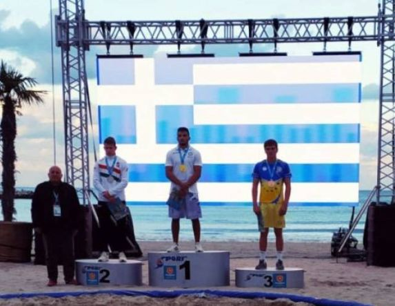 Παγκόσμιος πρωταθλητής ο Άγγελος Αποστολίδης του Ημαθίωνα Αλεξάνδρειας στην πάλη στην άμμο.