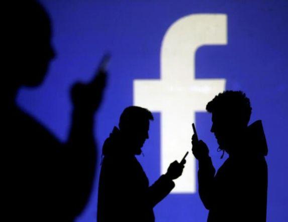 """Facebook: Προσοχή! Αν λάβετε αυτά τα μηνύματα από """"φίλο"""" σας είναι απάτη (φωτό)"""